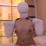 マミフィケーションプレイ呼吸制御と拘束を同時にできる。ダルマ状態の女のフェティシズム