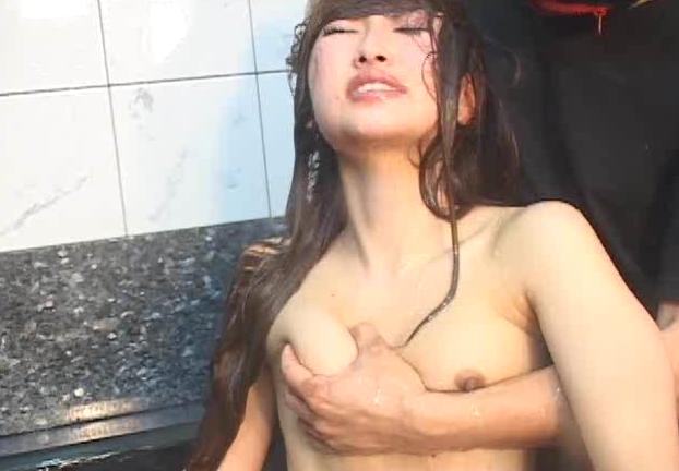 水責めや首絞めで連続失神させられる美女2名の気絶動画