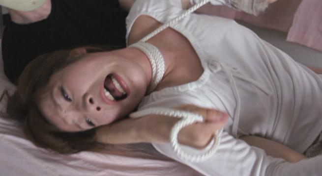 首絞め連続失神させるレイプ動画衰弱させて強姦を繰り返し中出し絶叫や悲鳴の阿鼻叫喚