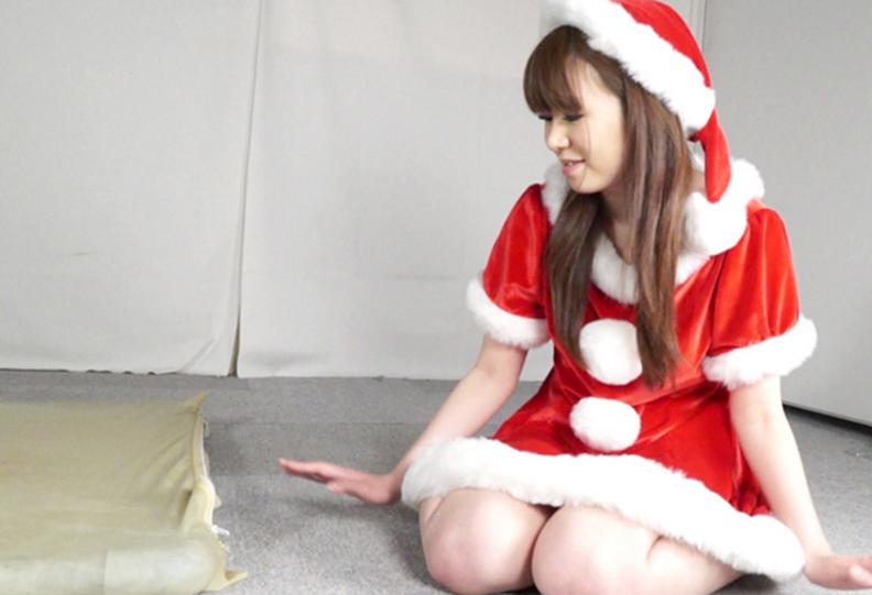 クリスマスにバキュームベッドで窒息調教呼吸制御プレイ動画サンタのコスプレと巨乳の真空パックがエロい