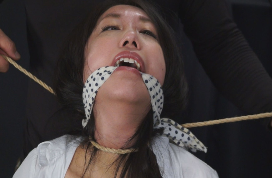 首絞め失神首吊り猿轡人間真空パックの凌辱