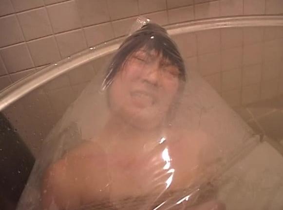 乱鬼龍4:極悪人風見蘭喜によるSM調教舐めたJKを緊縛お灸呼吸制御首絞めで調教するフェチ動画